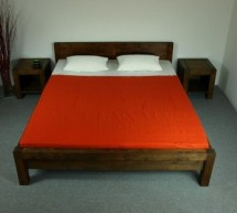 Manželské postele drevené