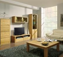Dubový nábytok umocňuje atmosféru.