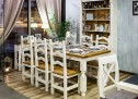 Rustikálny drevený nábytok do jedálne